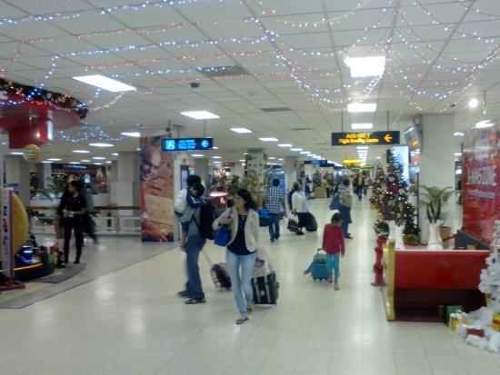 Serenediva Colombo Transit: Departure Hall