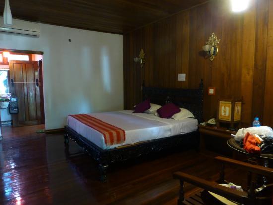 Thazin Garden Hotel : Bedroom