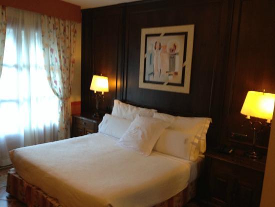 Hotel Os de Civis: Habitación