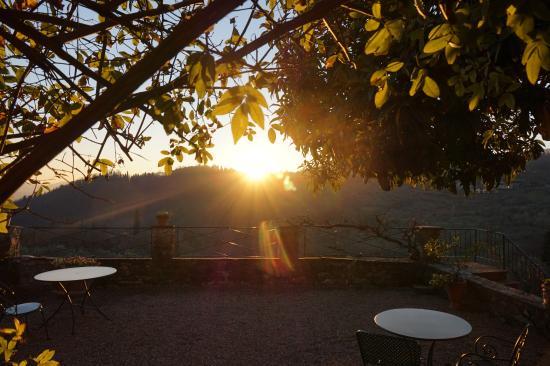 Villa Di Campolungo Agriturismo: Sunset from the garden