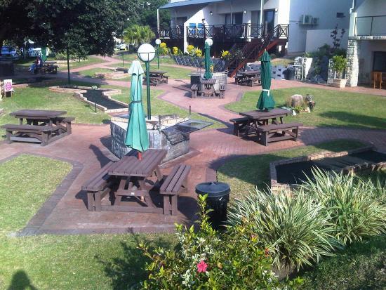 Margate Beach Club: Braai area