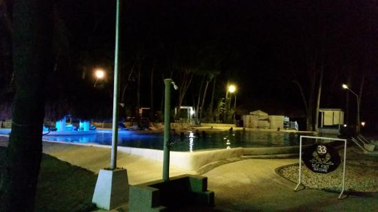 Pacific Cebu Resort: Night Swimming