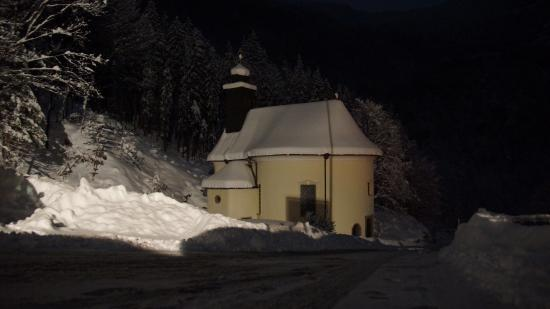 Hotel Pass Lueg: Церковь у отеля