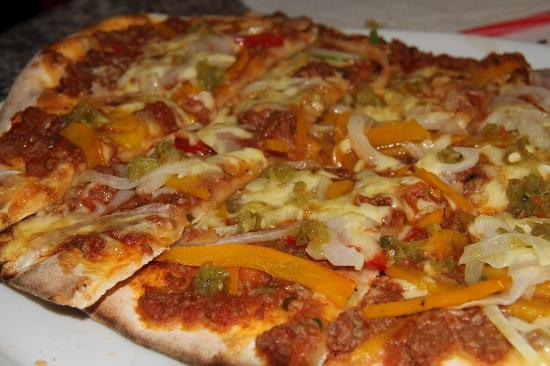 Pizzeria Gholam's Holzofen Pizza
