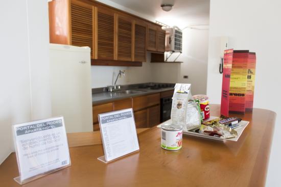 Portal del Rodeo Aparta Hotel: Cocina Apartamento Standard