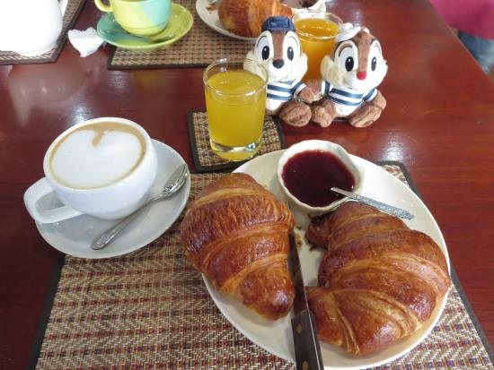 Le Banneton: コンチネンタルの朝食 40,000KIP