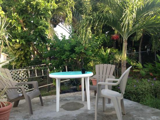 Casa de Kathy: outside dining area