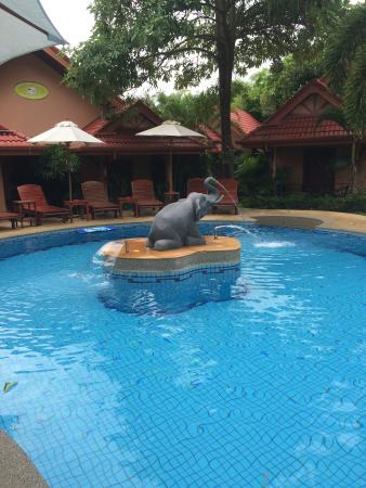 The Happy Elephant Resort: Lovely place