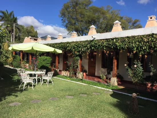 San Jorge Hotel: Hermoso jardín!