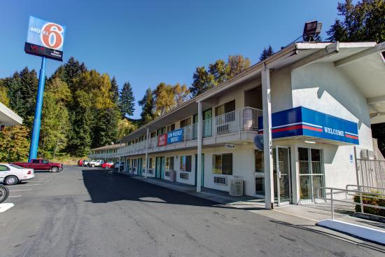 Thank you review of motel 6 kelso mt st helens kelso for Rental cabins near mt st helens