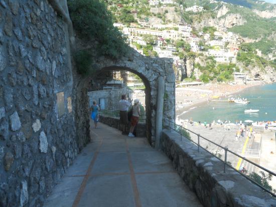 Discover Positano - Daily Tour: spiaggia e porto Positano