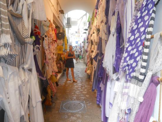 Discover Positano - Daily Tour: vicoletto di Positano