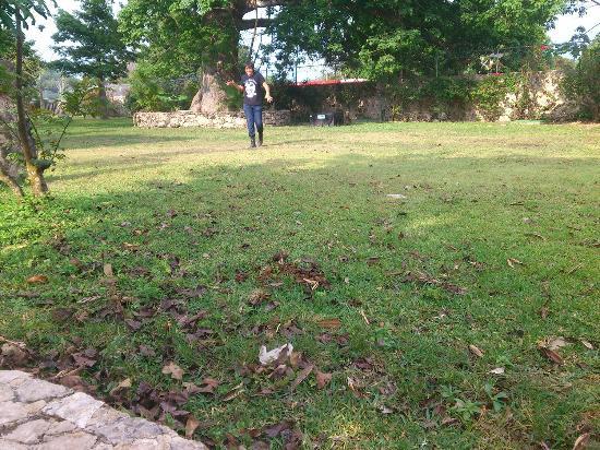 Hotel Hacienda Noc Ac: gardens