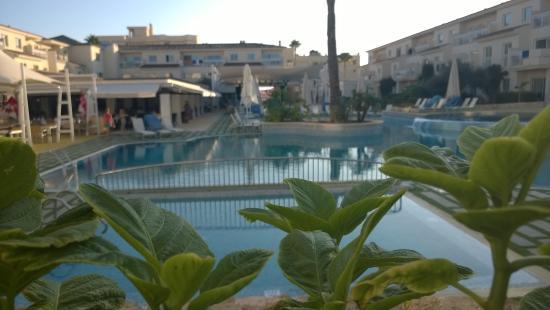 Aparthotel & Hotel Isla de Cabrera: vue piscine