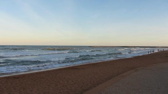 Praia de Jacaraipe