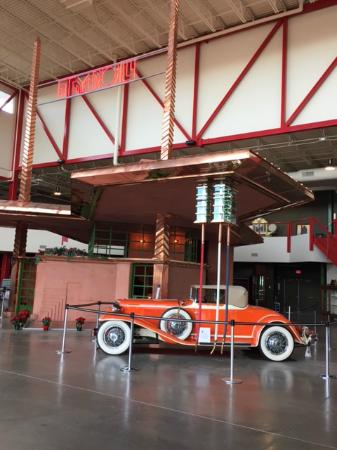 Pierce-Arrow Museum: Tydol Filling Station designed by Frank Lloyd Wright