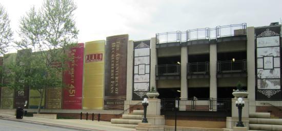 Kansas City Public Library: Garage de la bibliothèque.