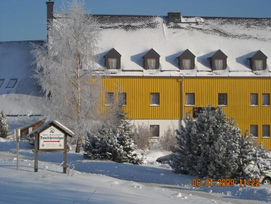 "Hotel & Restaurant ""Danelchristelgut"": Hotel im Winter"