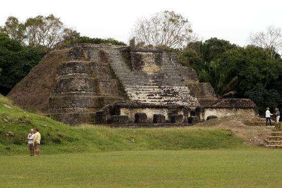 Jose Tours Belize : Altun Ha - Temple of the Sun