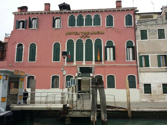 Hotel Tre Archi Vista Pando Con Il Vaporetto
