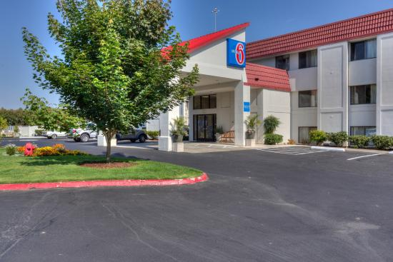 Motel 6 Portland South - Lake Oswego /Tigard : Exterior