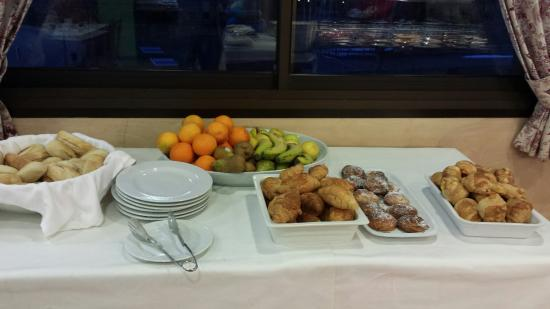 Hotel Románic: Desayuno