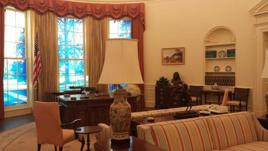 Carter Center: Oval Office Replication in Jimmy Carter Library
