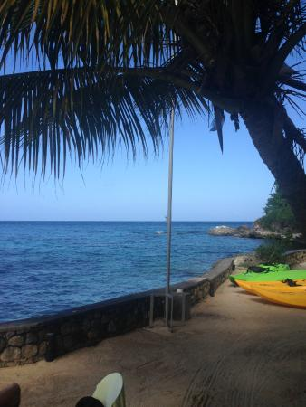 Golden Clouds Villa Estate: The beach area