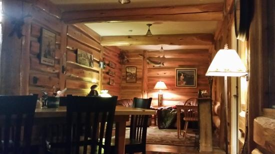 Big Bear Lodge and Cabins : staying warm