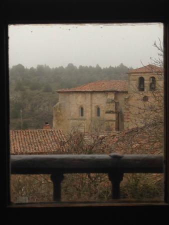 La Casa Rural de Calatañazor: Vista desde la habitación hacia el pueblo