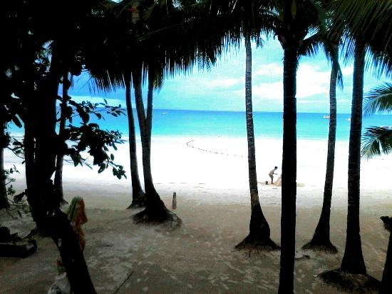 White Beach de Boracay: Loveliest view to wake up to <3