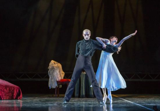 Colorado Ballet: Maria Mosina and Domenico Luciano in Dracula - by Mike Watson