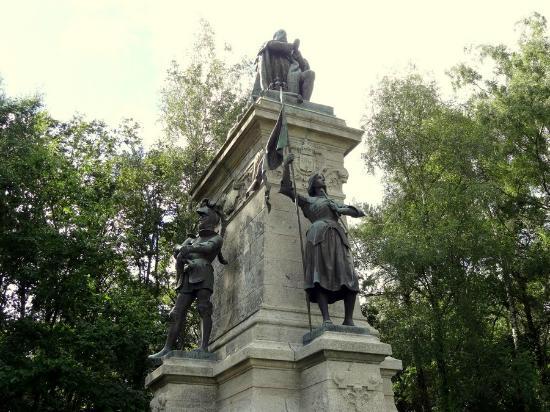 Sainte-Anne-d'Auray, فرنسا: Un monument somptueux mais un peu oublié !