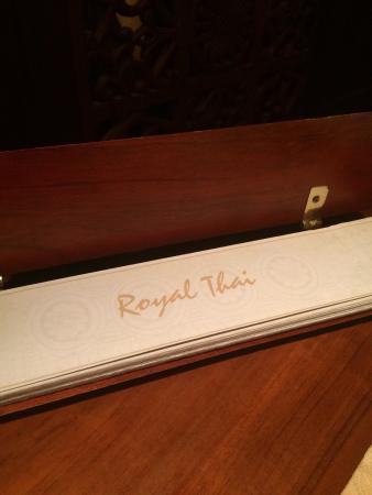 Royal Thai : Menu cover