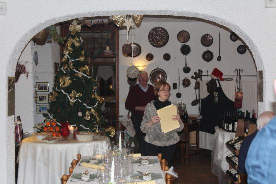 La Genzianella : Un particolare del salone con la Sig.ra Cristiana