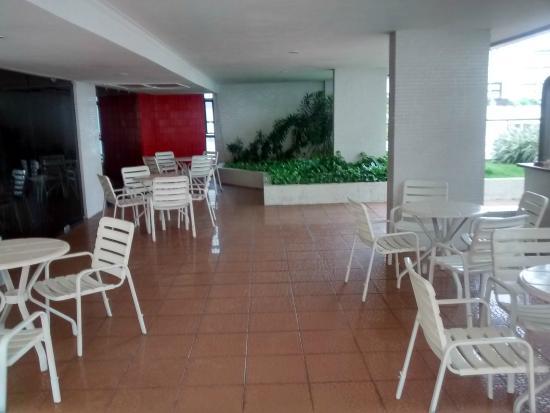 LG Inn Hotel: AREA DA PISCINA