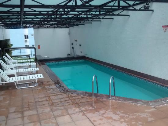LG Inn Hotel: PISCINA