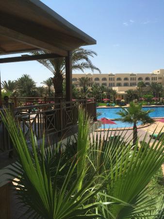 Hasdrubal Thalassa & Spa Djerba: Salle à Manger extérieure d'été vue mer et piscine
