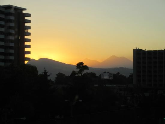 Hotel Biltmore Guatemala : Sunset from the room