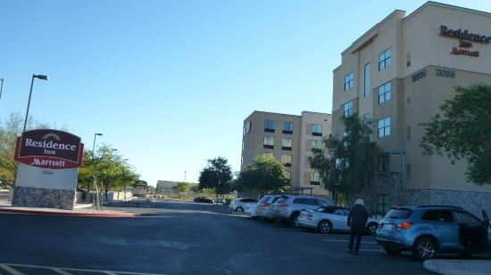 Residence Inn Phoenix North/Happy Valley: There are 2 Marriot Hotels adjacent to eachother