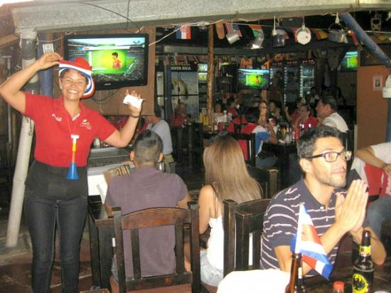 La Casona de Laly: An FUN place to watch CR Futbol•soccer with the locals!!!