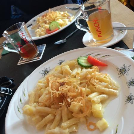 Bergrestaurant Bussalp: älpermagronen