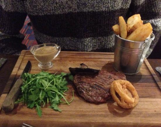 Mercure Chester Abbots Well Hotel: Lovely steak