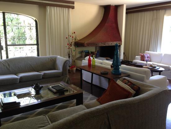 Sitio Arariba: nice common living room spaces