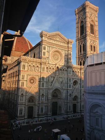 Duomo View B&B: Vue de la fenêtre 1