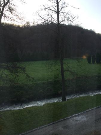 Les Jardins De La Molignee: vue des chambres arrières