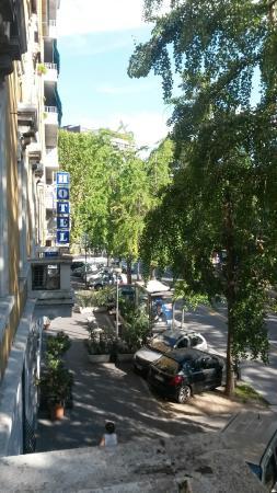 Aurelia Hotel : Вывеска отеля (фото сделано с балкона в номере)