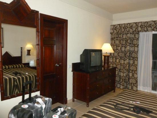 Habitaciones fotograf a de clubhotel riu bambu punta for Habitacion familiar riu bambu