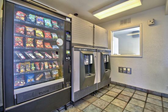 Motel 6 Nogales : Vending