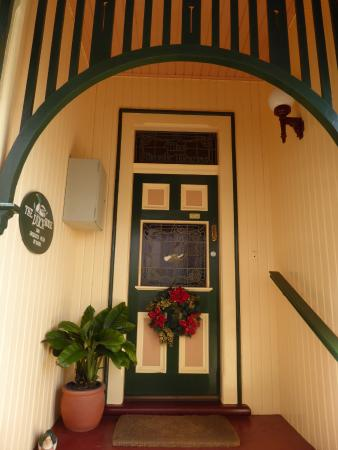 The Duck House: Beautiful entrance